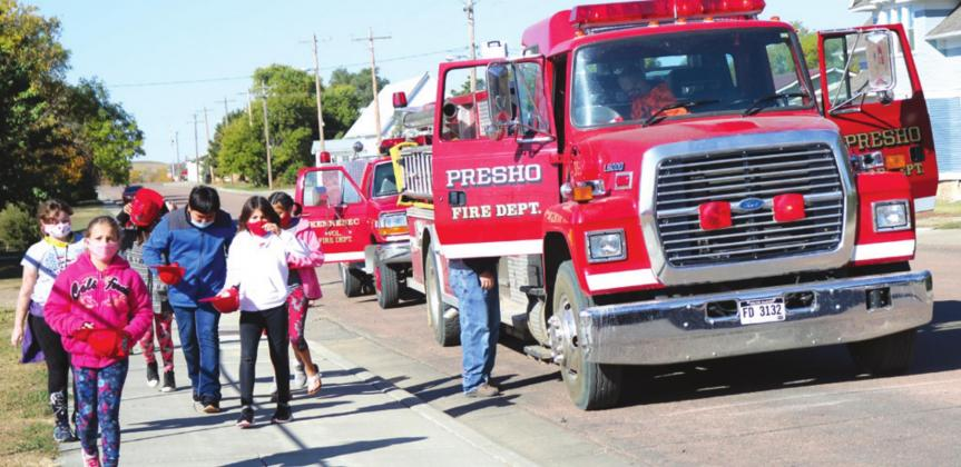 Local fire departments educate students during Fire Safety Week